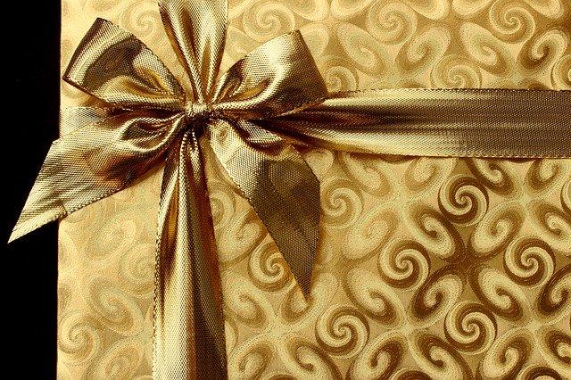 gift-1008894_640